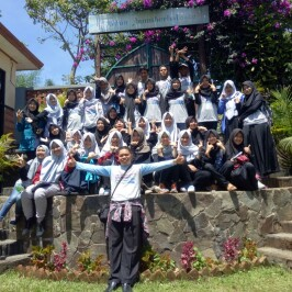 Kunjungan SMK Yaspi Syamsul Ulum Sukabumi